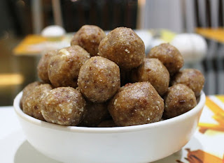 Sugar Free Date Almond Laadu