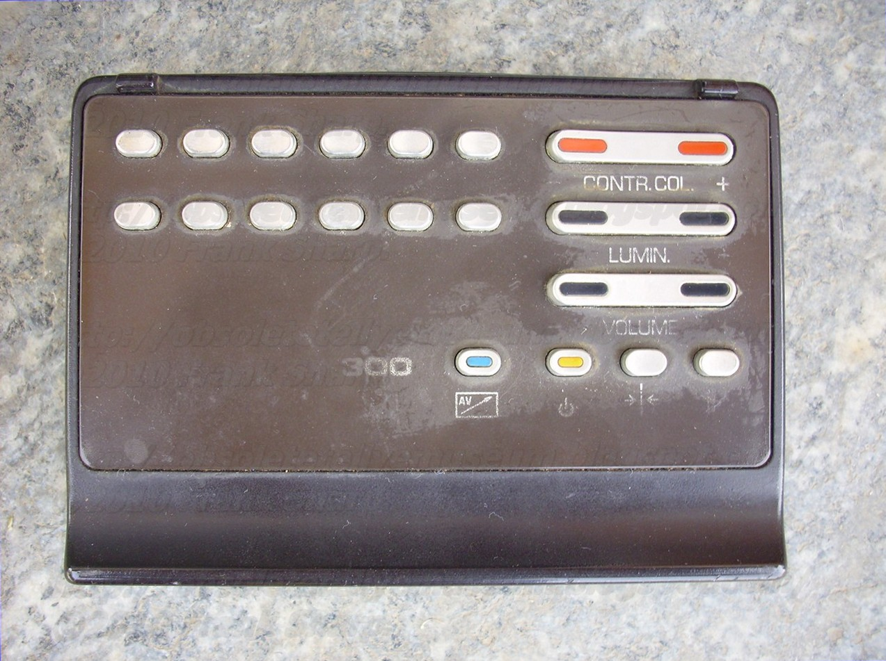 Obsolete Technology Tellye Grundig Eleganz 8245 30 Serie 30t26sl Touchswitch Decoder With No External Componentscircuit Diagram World The Remote Telepilot 300 Allows Controlling Even A Vcr Connected Through Telly And Can Be Fitted In House Compartment After Using It To