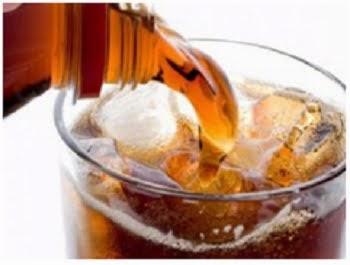 Bahaya minum soda keseringan
