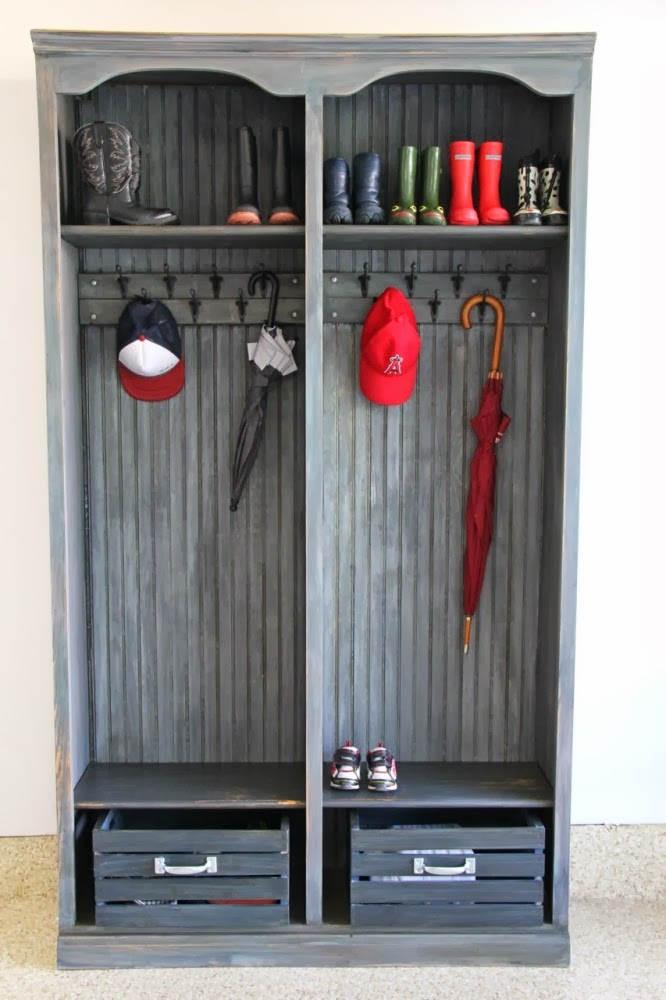 http://www.imeeshu.com/2013/09/11/annie-sloan-paints-used-to-knock-off-restoration-hardware-industrial-masculine-wood-look/