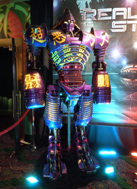 Real Steel Noisy Boy robot