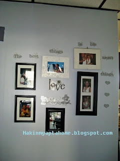 http://makinmyaptahome.com/2012/01/my-love-wall.htm