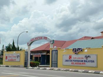 Selamat Datang ke Blog Rakan Pendengar Radio Malaysia Kelantan FM'
