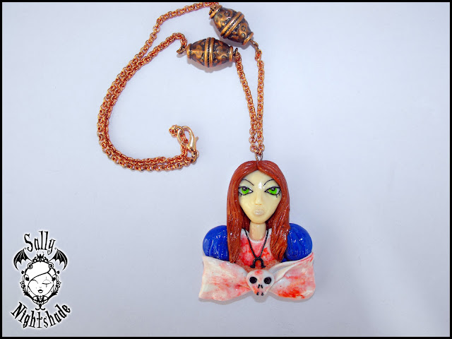 Ciondolo in fimo di American McGee's Alice - Madness Returns