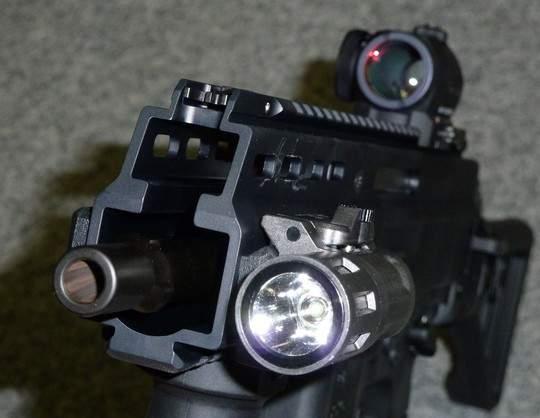 senapan mesin ringan semi otomatis