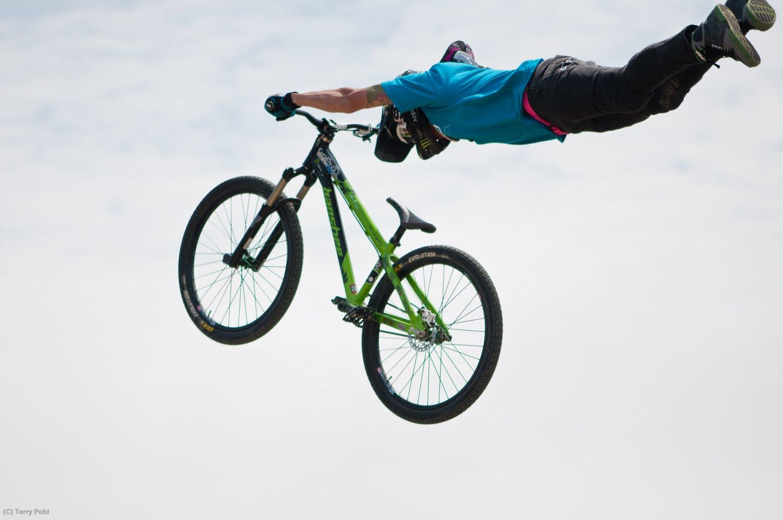 Go Back > Pix For > Dirt Bike Tricks Superman