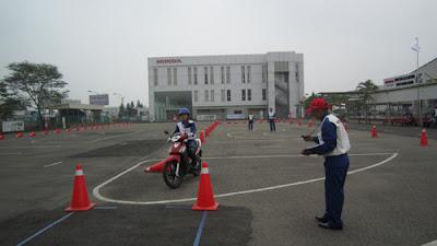 thi-bang-lai-xe-a1