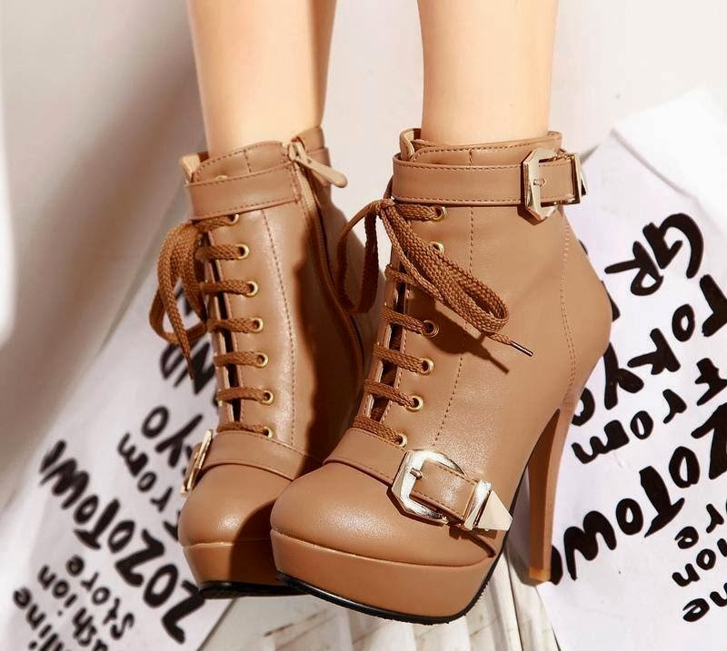 Decent and Classic Brown Boots With Lace on Front