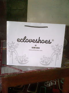 Paper Bag Untuk Toko Sepatu