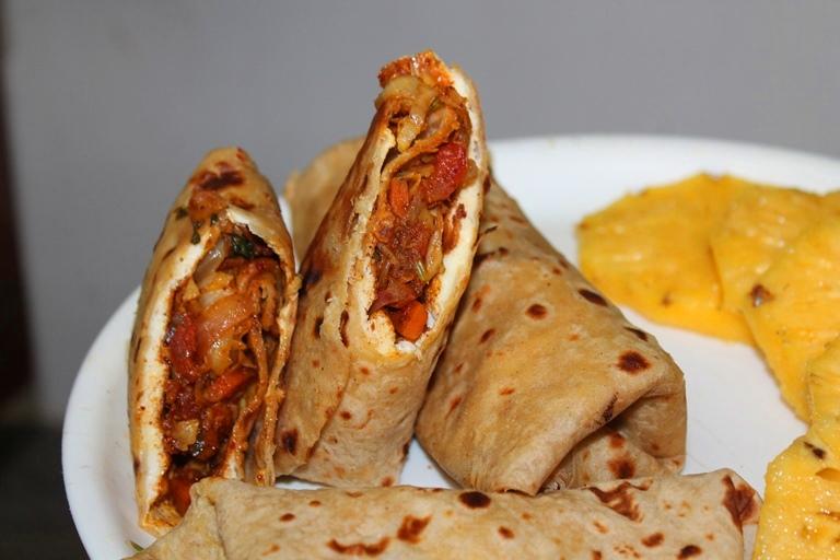 Vegetable egg kathi rolls recipe yummy tummy vegetable egg kathi rolls recipe forumfinder Image collections