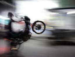 พ่อค้ายาซิ่งมอเตอร์ไซค์หนีตํารวจ Bad Motorbike