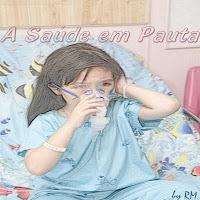 Criança fazendo inalação devido à asma brônquica.