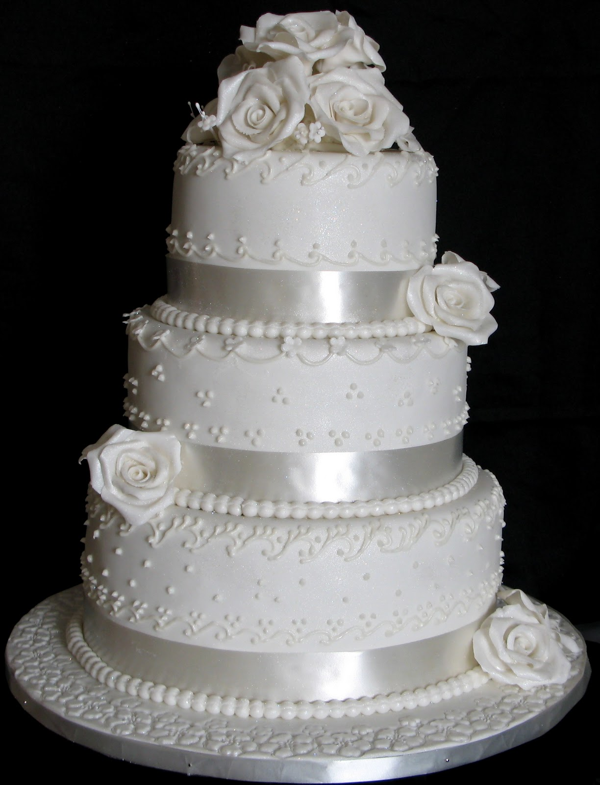 Sugarcraft by Soni Three Layer Wedding Cake White Roses