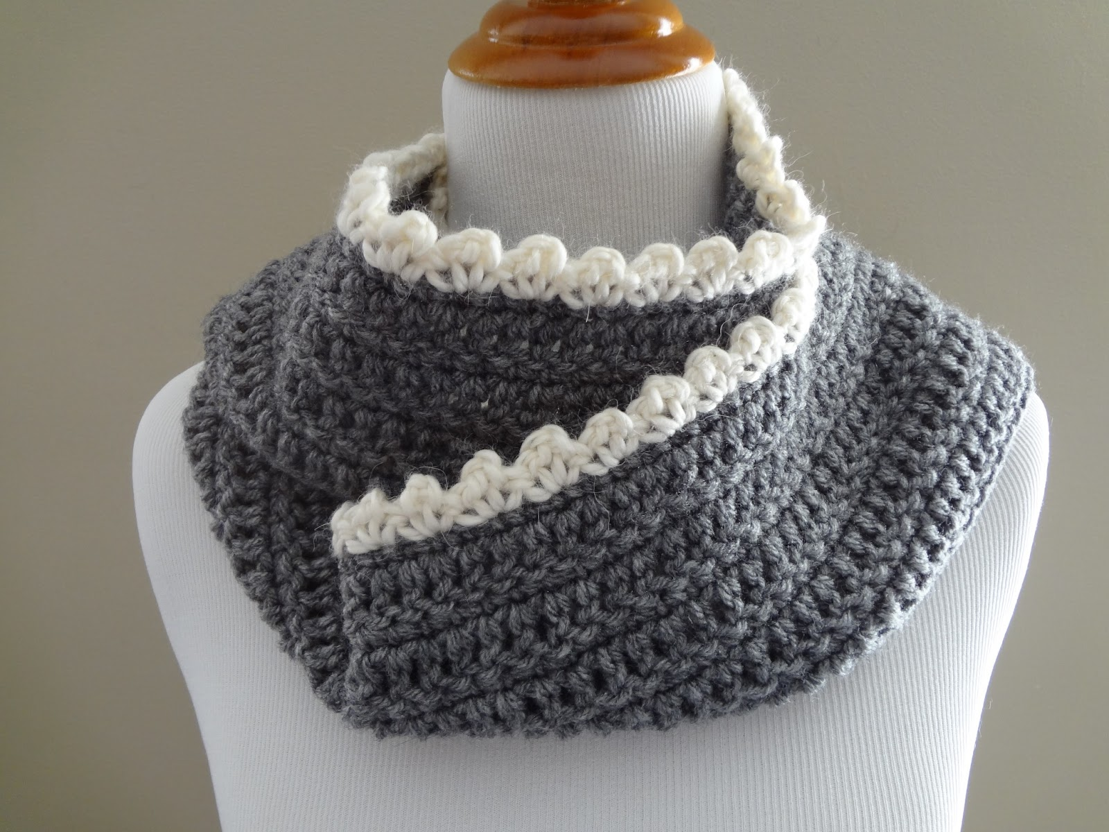 Free Crochet Pattern Scallop Scarf : Fiber Flux: Free Crochet Pattern...Ingrid Scarf
