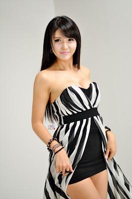 Cha Sun Hwa Sexy Model Black and White