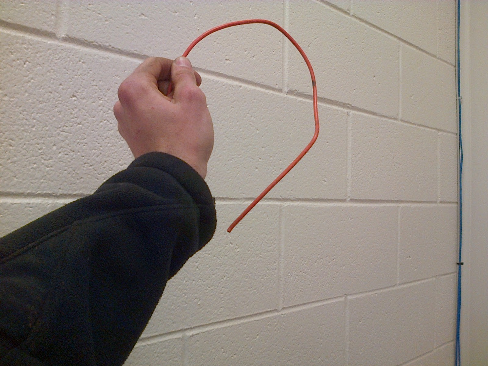 Still good for wire recycling, cheap wire is usually be able to keep a 90-degree bend.