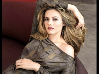 Alicia Silverstone nude boobs jessi combs bio. Online Reservations