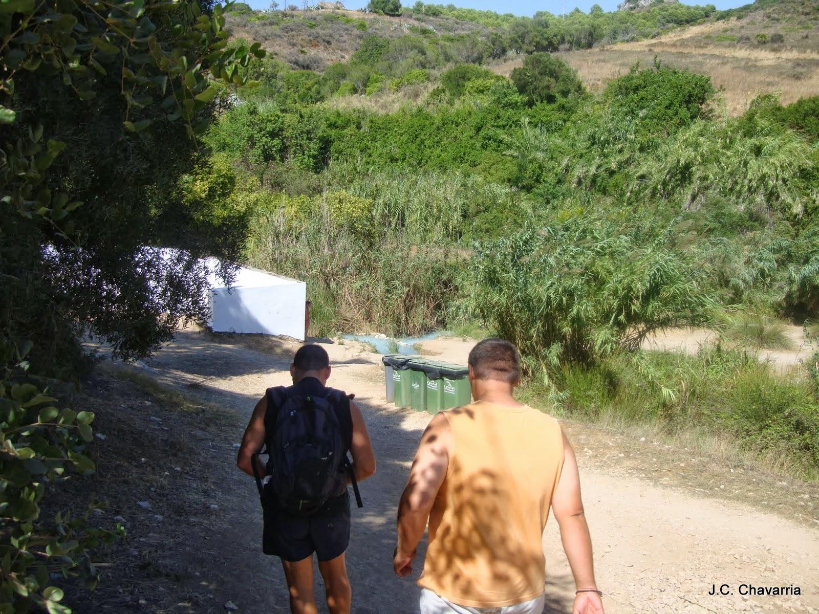 Los Baños Romano La Hedionda:Tras una rápida ojeada a los Baños bajamos al río