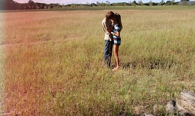 Besos en el campo