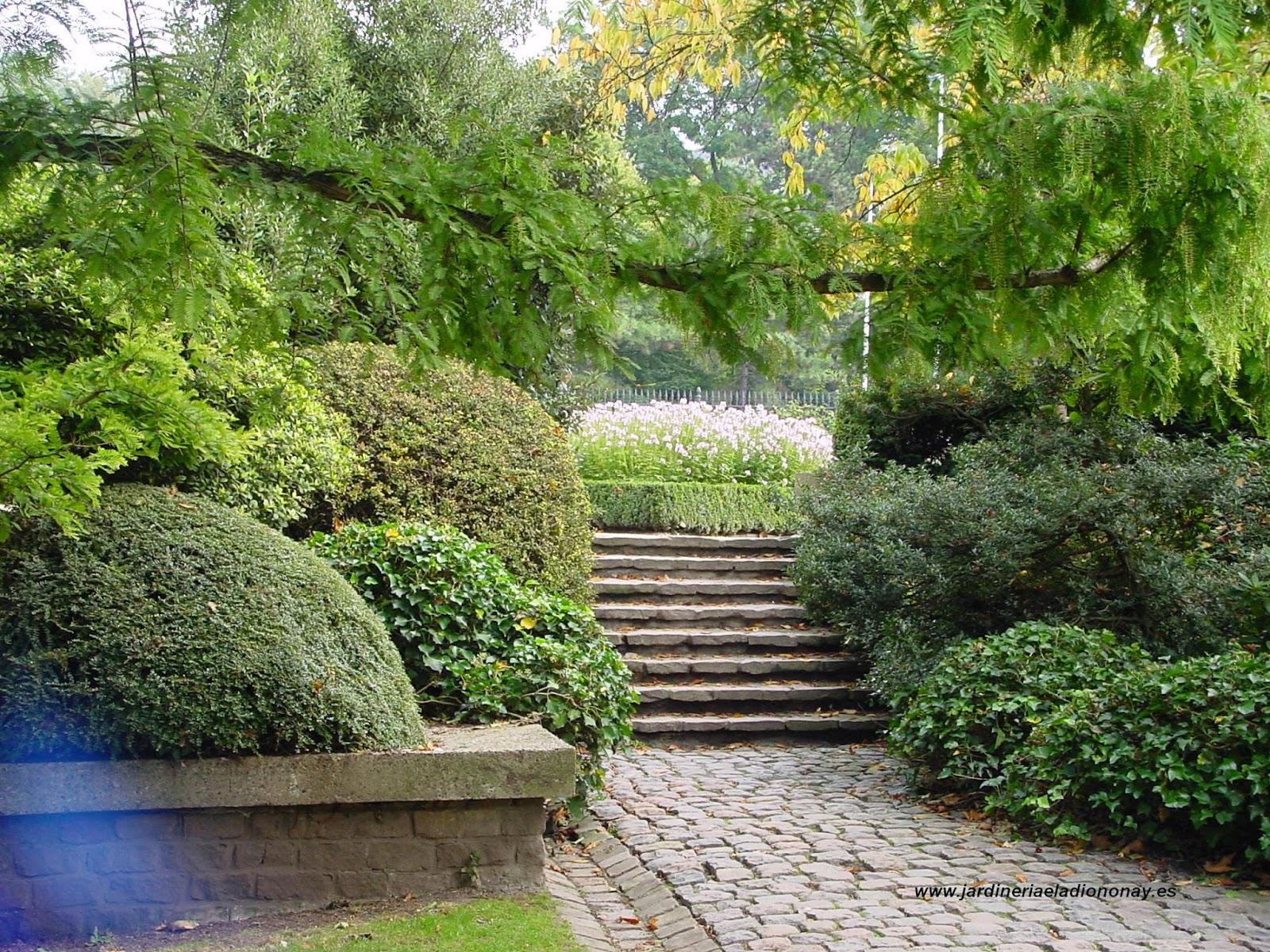 Escalera jardin simple interesting blanco miniatura resina puente escalera jardn hada ornamento - Escaleras jardin ...