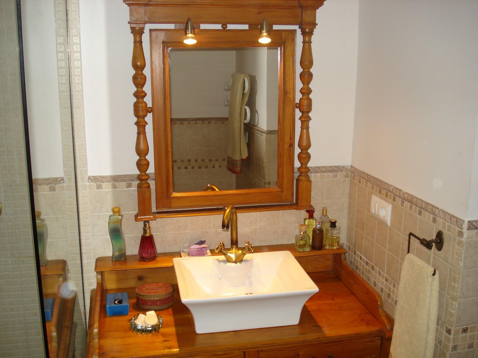 decorar mueble lavabo : decorar mueble lavabo:Este es el color original de la madera, que descubrimos bajo de unas