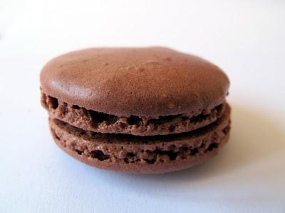 Les meilleurs macarons au chocolat de Paris - Ladurée