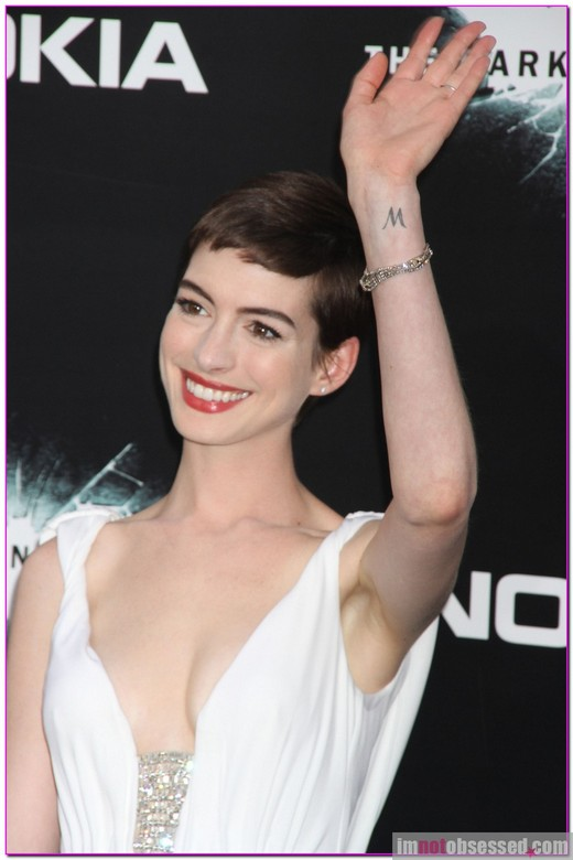 Anne Hathaway, Marion Cotillard And Zoe Kravitz Rock 'The Dark Knight Rises' Red Carpet » Gossip | Anne Hathaway | Marion Cotillard