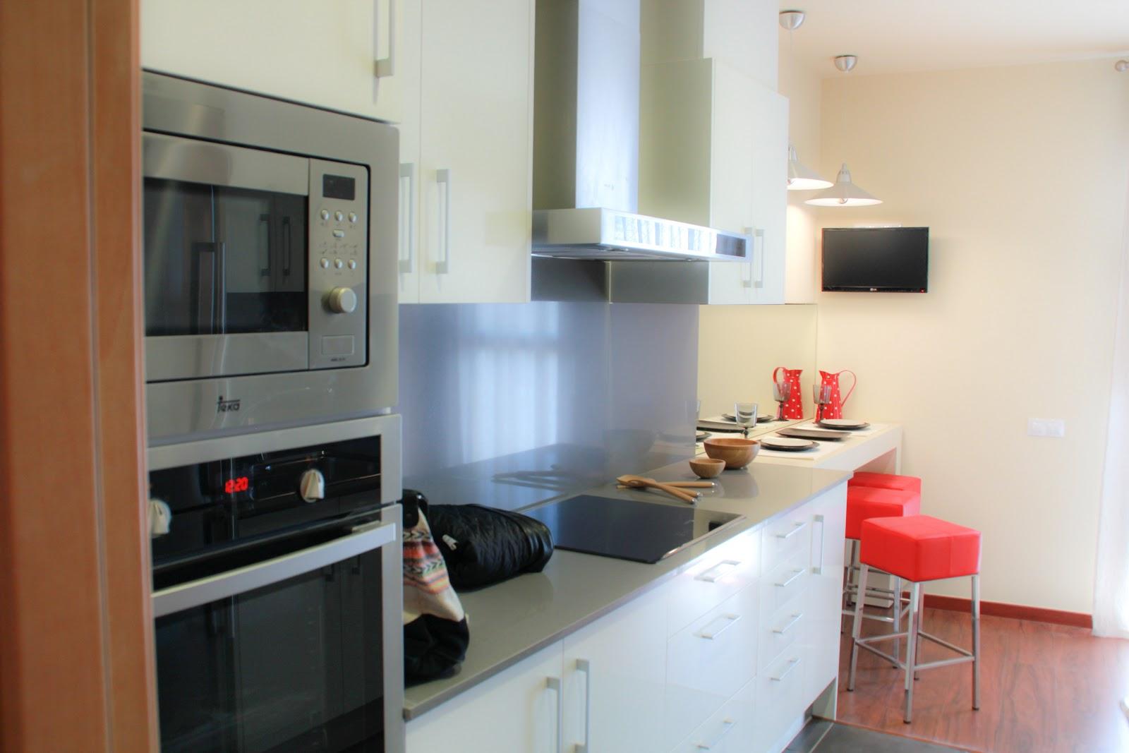 Edificio petrus sant feliu piso muestra petrus sant feliu - Cocina office ...