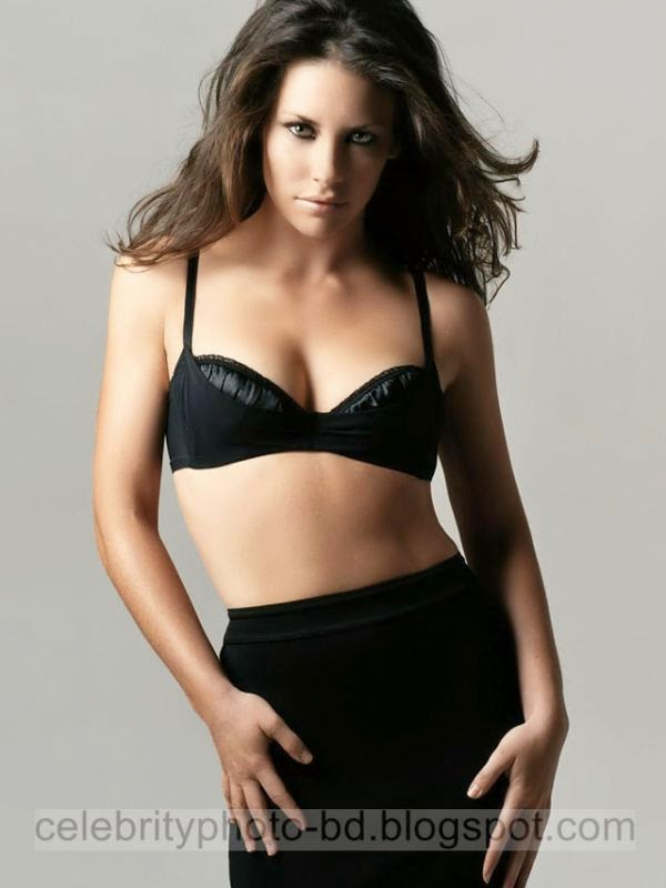 Evangeline+Lilly+Latest+Hot+Photos+With+Short+Biography009
