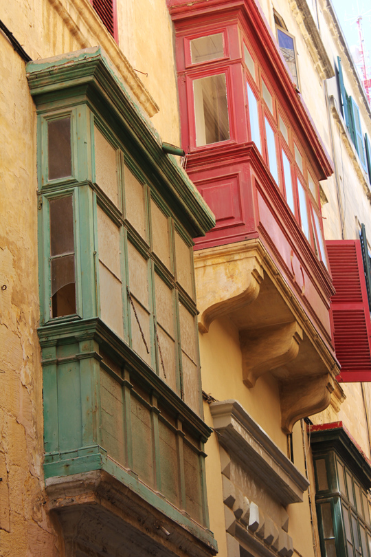 valletta windows malta travel guide