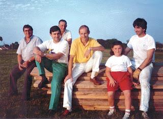 Comisión a principios de los años 90, con Tono, Víctor, Juan, Corsino, María y Javier.