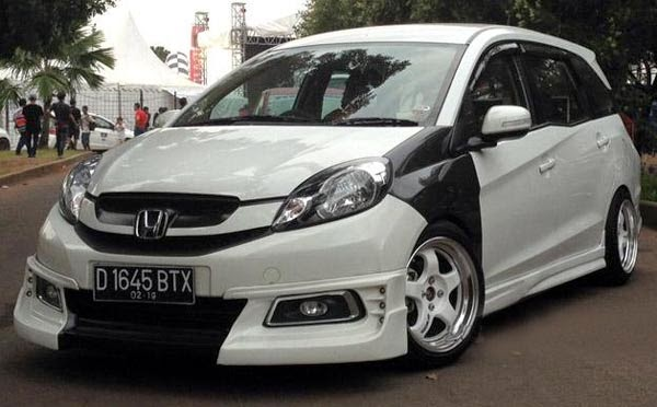 Virus Modifikasi Honda Mobilio Gaul Sporty