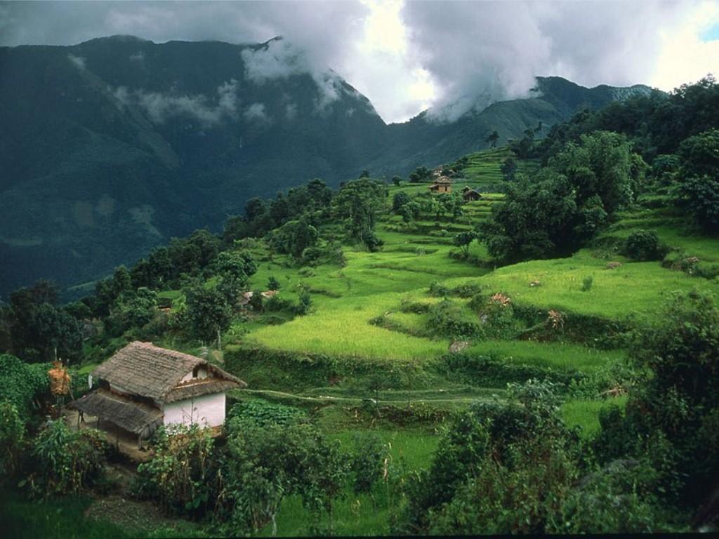 http://4.bp.blogspot.com/-shkdNU3zNnQ/TdesSlFCKmI/AAAAAAAADgE/W-qetsDLfVg/s1600/Num+Village+Nepal.jpg