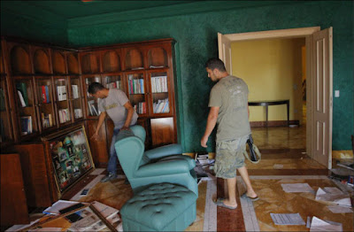 Libyan Rebels Inside Muammar Gaddafi House Seen On www.coolpicturegallery.us