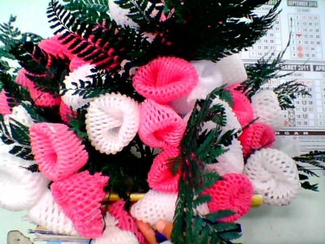 ... bunga yang indah. kalau yang bawah adalah contoh karya dari bu guru