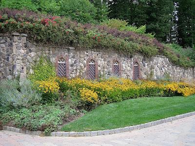 diseno-de-jardin-flores-decorativas