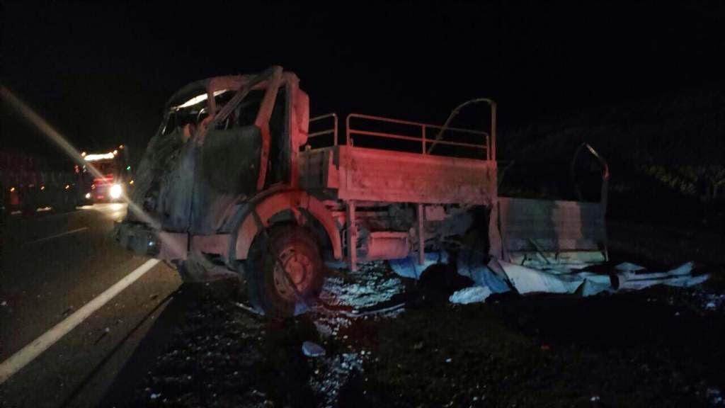http://www.soychile.cl/Copiapo/Policial/2015/04/12/315981/Dos-personas-fallecieron-tras-accidente-de-camion-militar-en-Copiapo.aspx