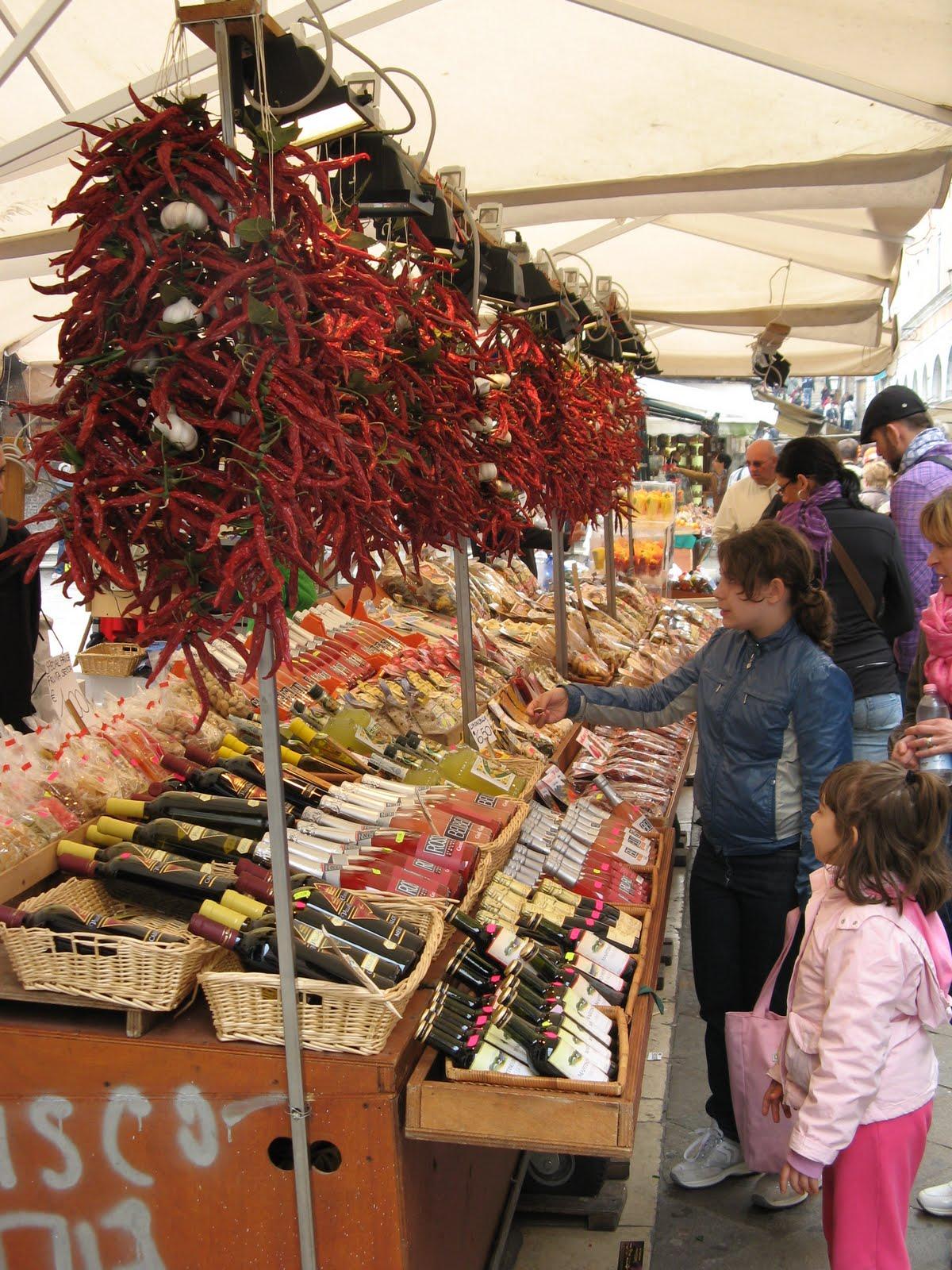 Intorno alla tavola traditions in regional italian food for Italian culture