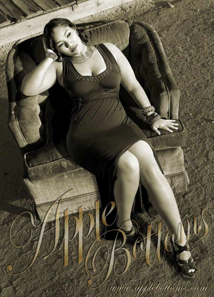 Lisa Raye Feet http://trappedinaskinnyworld.blogspot.com/2011/02/lisa-raye-daughter-plus-size-model-kai.html#!