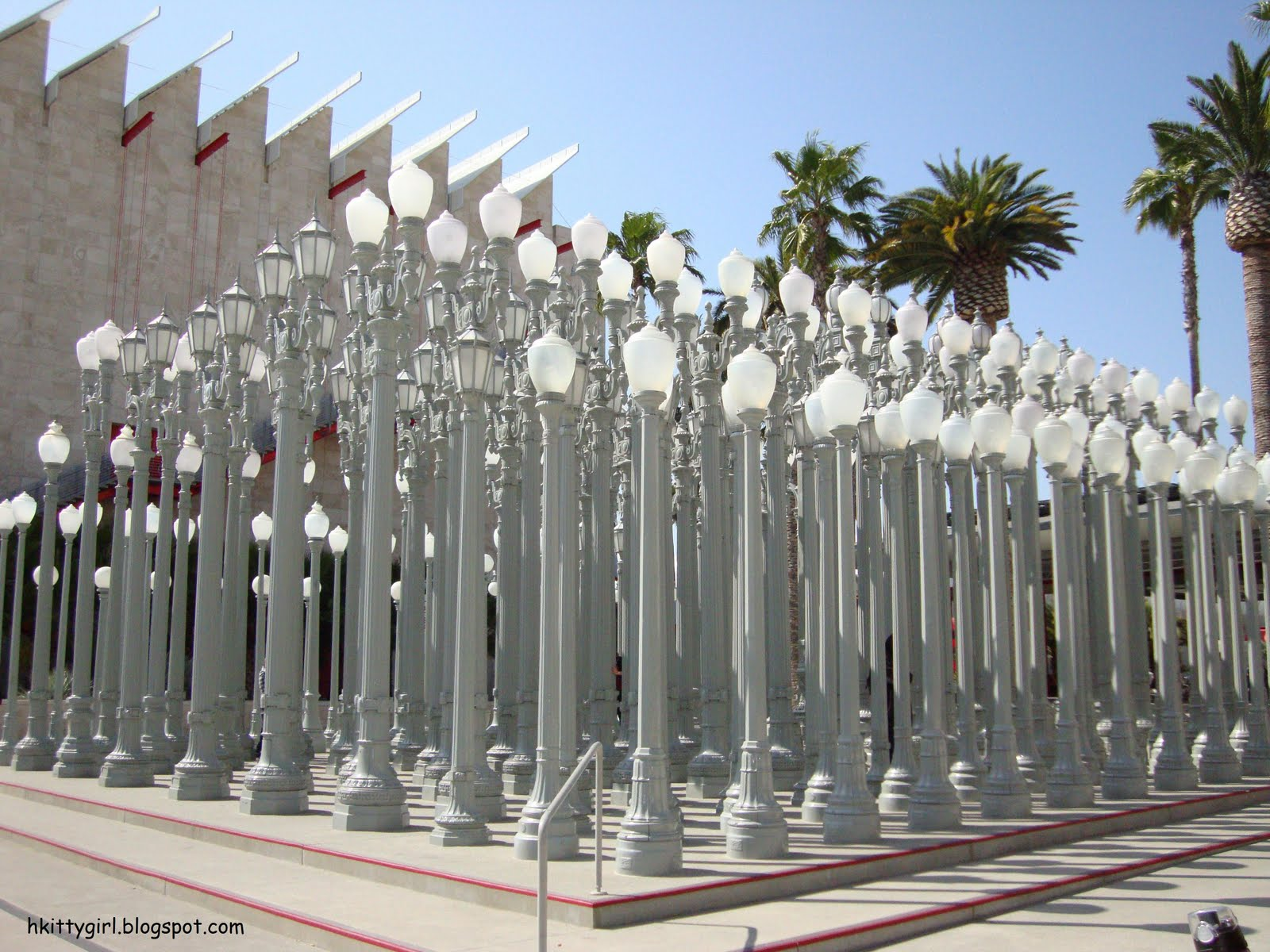 Satellite buzz los angeles country museum of art lacma at first the main thing i was going to see was the urban light sculpture by chris burden i like old fashioned street lamps like these because they have mozeypictures Images