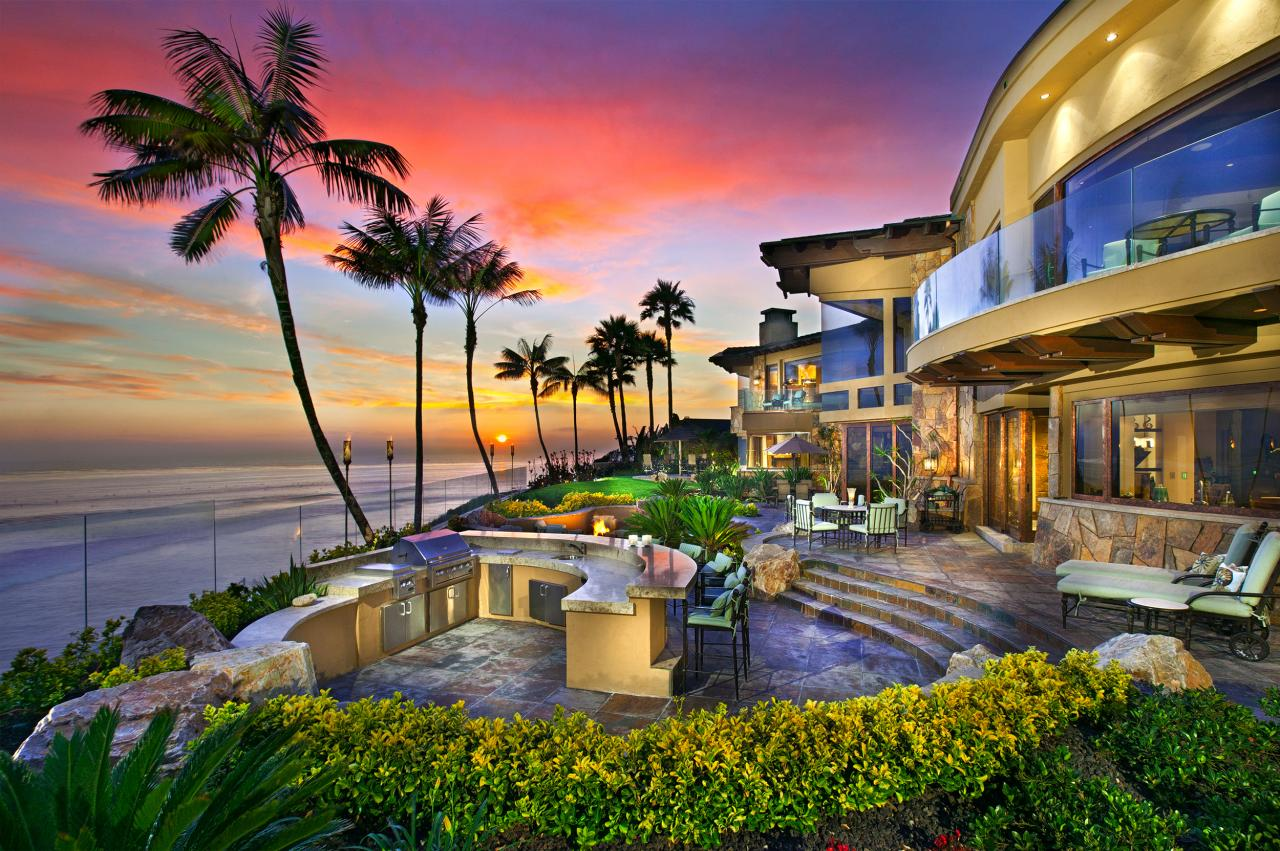 Mansions more 29 million oceanfront estate in california for Expensive homes for sale in california