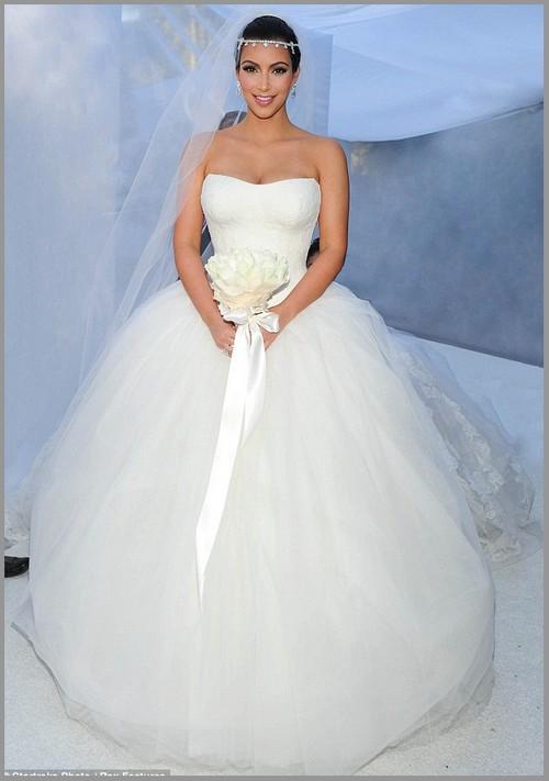 Kim Kardashian Vera Wedding Dress