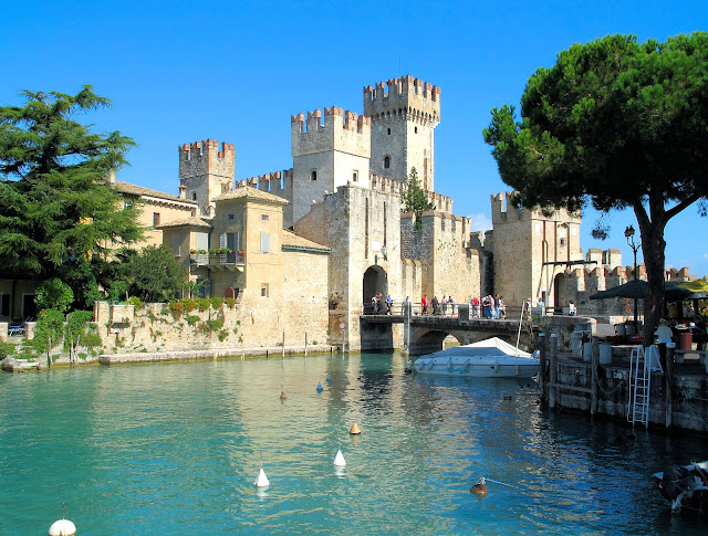 The Castello Scaligera or Scaligera Castle was originally built for the della Scala family (Scaligeri) of Verona. It was later remodeled by the Venetians in the 15th century.