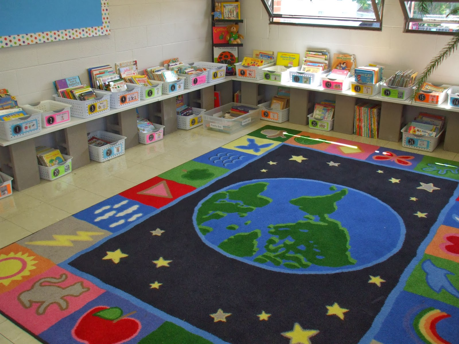 welcome to first grade room 5 classroom library. Black Bedroom Furniture Sets. Home Design Ideas