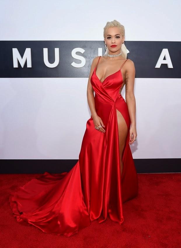 Rita Ora has not opened the jewelry awards in California