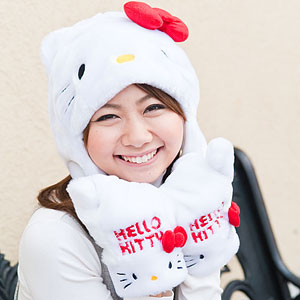 Hello Kitty hat with ears and mittens