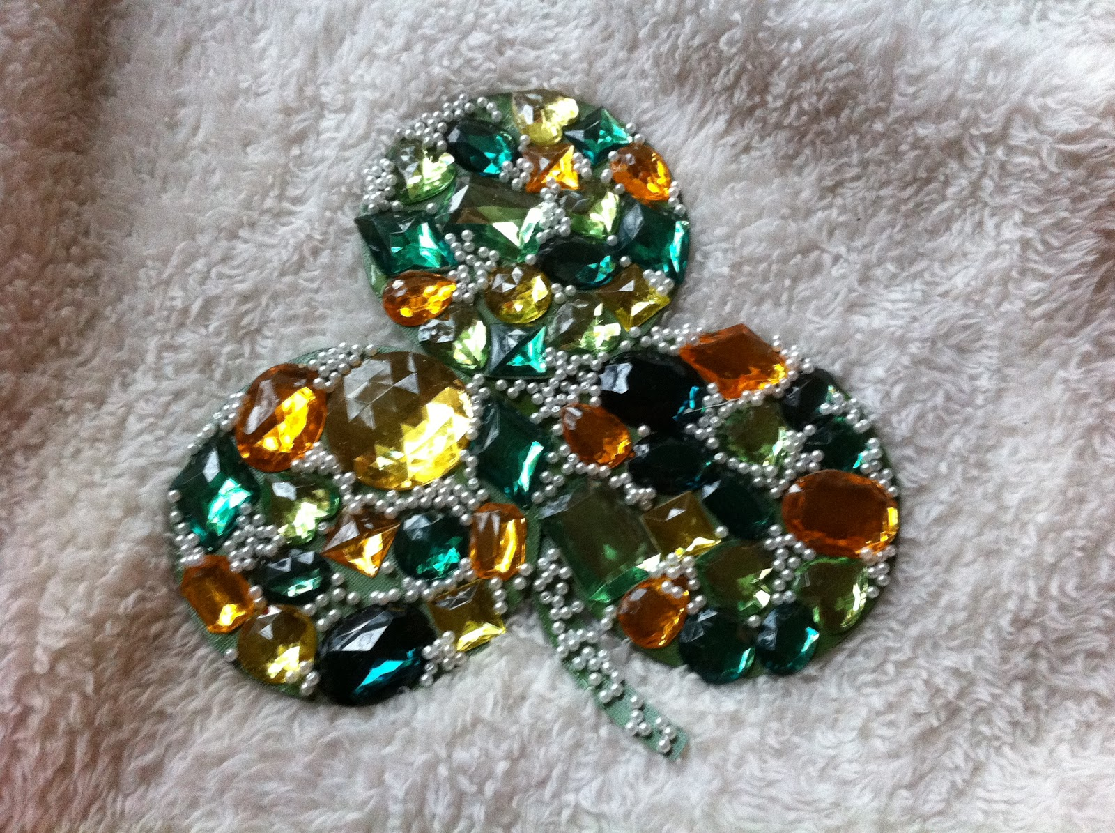 Preschool crafts for kids st patrick 39 s day recycled cd for Recycled craft ideas for adults