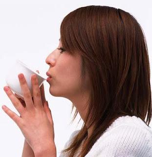 http://inforingankita.blogspot.com/2013/09/manfaat-dari-minum-teh-bagi-kesehatan.html
