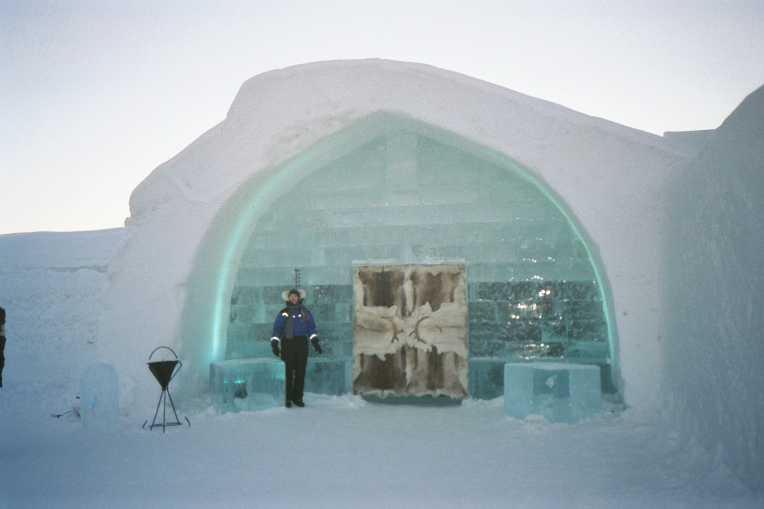 revolutionary designs 2013 ice hotel news and products. Black Bedroom Furniture Sets. Home Design Ideas