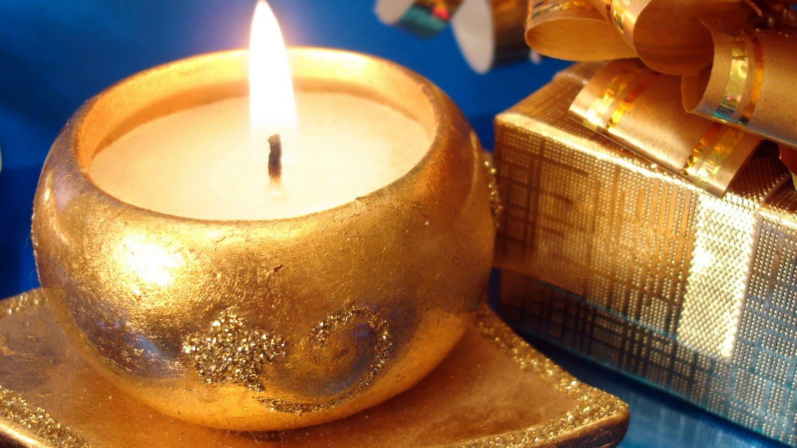 http://4.bp.blogspot.com/-slJhYtCfAXk/Tn7qJT9i01I/AAAAAAAAAus/DQvSW8DiehA/s1600/Christmas%2BGreeting%2BCards%2BWallpapers.jpg